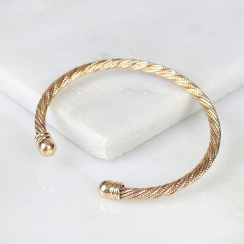 Twisted Cuff Bracelet Gold
