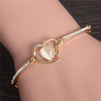 Heart Shaped Pendant w/ Cat's Eye Bangle Bracelet - Gold