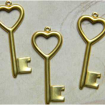 Raw Brass Key Victorian Heart Style Stamping 14mm x 35mm - 6 pcs.