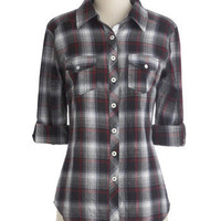 Wandering in Williamsburg Top in Greyscale Plaid | Mod Retro Vintage Long Sleeve Shirts | ModCloth.com