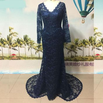 Navy Blue Mermaid Evening Dresses V Neck Lace Buttons Back Vintage Formal Evening Gown Long Sleeves Prom Dresses