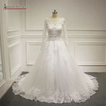 Stunning lace wedding dress