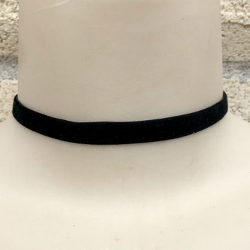Regular Black Velvet Ribbon Choker