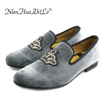 New Western Style handmade luxurious embroidery men velvet shoes Banquet and Prom  men dress shoes and male  size loafers