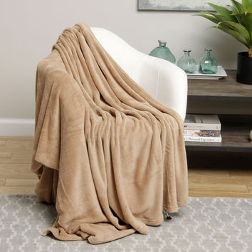 Ultra Plush Tan Design Queen Size Microplush Blanket