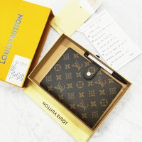LV 2019 new fashion women men portable hand book notebook