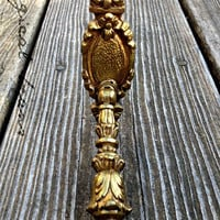 Victorian Pendant Cast Brass Pull / French 18th Century Style Restoration Hardware / MINT Condition / Dresser Cabinet Drop Swing Handle