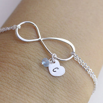 Personalized Infinity Bracelet .initials large infinity bracelet.  heart Jewelry. Mom,Sister,Wife,Bridesmaid Gift.