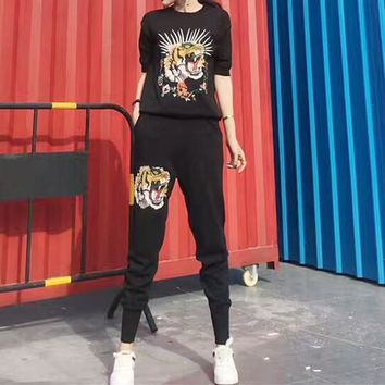Gucci Women Casual Fashion Knit Tiger Head Embroidery Middle Sleeve Trousers Set Two-Piece Sportswear