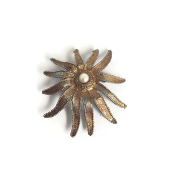 Vintage Brooch Gold Tone Sunburst with Faux Pearl - Lovely for Brooch Bouquet, Mid Century Brooch, Flower Brooch, Vintage Pin
