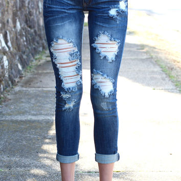 Distressed Out Capri Jeans {Medium Wash}