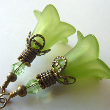 Flower earrings bright green drops fluted flower lucite resin vintage style
