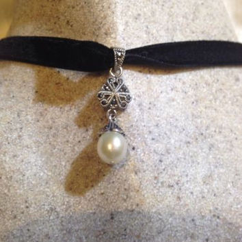Vintage Real Cultured Pearl Marcasite 925 Sterling Silver Antique Pendant Choker