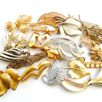 Leaves Feathers Flourishes Brooch Lot Vintage Leaf Flourish Gold Silver Faux Pearl Tiger Eye Signed BSK Sarah Coventry Gerrys Monet