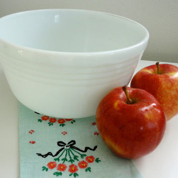 Vintage White Pyrex Milk Glass Hamilton Beach Bowl with Modern Rings Number 11
