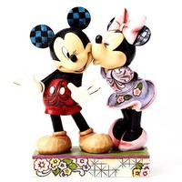 Mickey & Minnie Love Disney Traditions