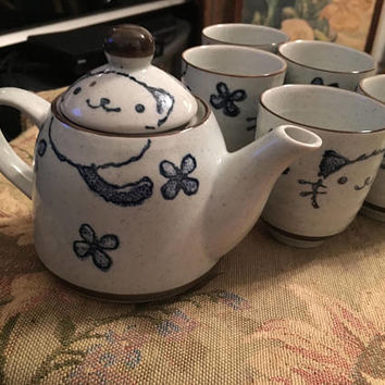 Japanese Tea Set,  Oriental Tea Set, Collectible Tea Set, Vintage Tea Set, Ceramic Tea Set, Blue and White, Cat Motif, Vintage Teapot
