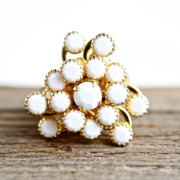 Vintage White Milk Glass Spray Ring -  Adjustable Gold Tone Costume Jewelry / Statement White Swirl