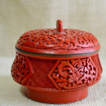Vintage asian carved trinket jar // Cinnabar jar // red natural mineral jar// red Asian jar