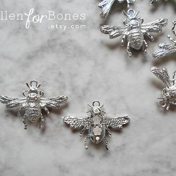 1pc ∙ Little Silver Bumble Bee Charm Insect Pendant Jewelry Supplies