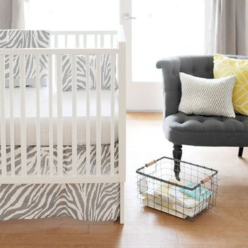 New Arrivals Safari Fitted Crib Sheet & Bed Skirt Set (Grey)