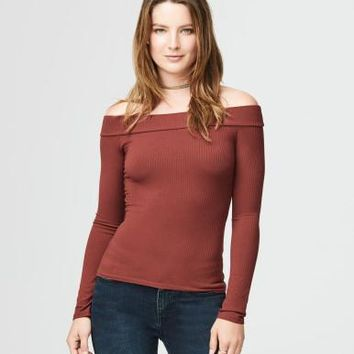 Solid Ribbed Off-The-Shoulder Top - Aeropostale