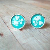L I L Y - Teal Turquoise Ocean Tiffany Blue and White Flower Photo Glass Cab Circle Silver Plated Post Stud Earrings