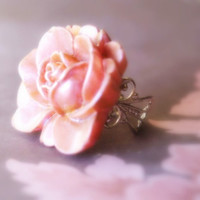 Antique perlized pink Rose Cocktail ring Vintage by medusa1307