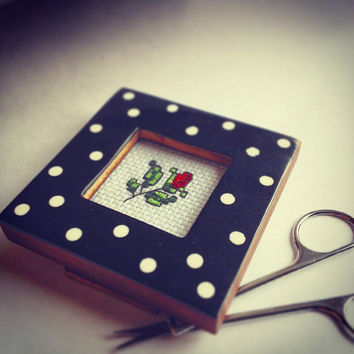 Custom frame wood frame photo frame finished cross stitch polka dot  handmade