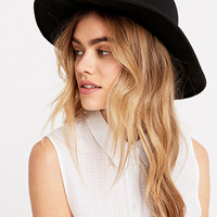 Erin Short Brim Panama Hat in Black - Urban Outfitters