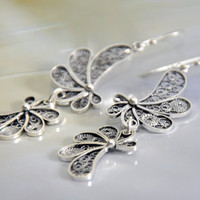 Silver filigree dangle earrings