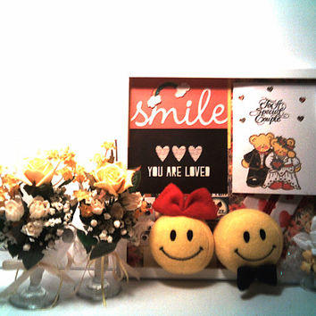Wedding Gift Set SMILEY FACE Married COUPLE Picture Frame Wedding Flutes Teddy Bear Card Verse Bridal shower Decoration Shadow Box