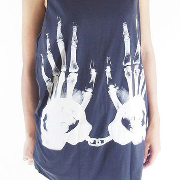 Helloween Skull Hand Bone X-Ray Hands -- Skull T-Shirt Women Tank Top Women Shirt Tunic Sleeveless Women T-Shirt Black Shirt Size L