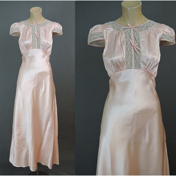 1940s Peach Satin Nightgown, 34 Bust, Unworn 40s Lingerie with Two-Tone Lace
