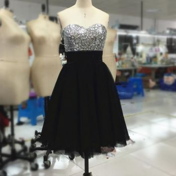 A line Short Mini Sweetheart Rhinestone Beaded Black Silver Prom Dresses