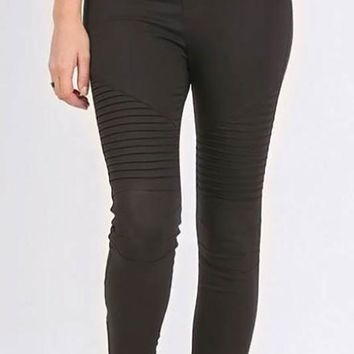 Take The Risk Jeggings - Black