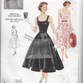 Vogue Pattern 2902 Evening Cocktail Dress -Reproduction of 1952 Design- Shoulder Straps Fitted Bodice & Full Skirt Bust 30 1/2-32 1/2 UNCUT
