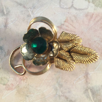 Gold Brooch With Emerald Green Glass Center, Floral Brooch, Vintage Jewelry, 1940's, Art Moderne, 1950's, Mid-Century