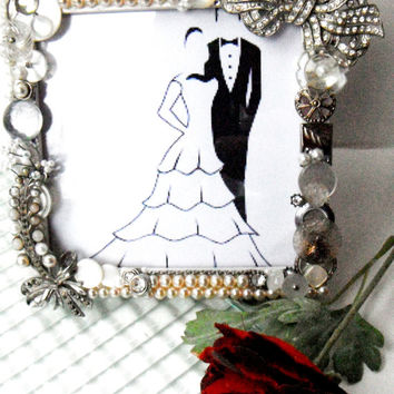 Button Picture Frame, Recycled Vintage Jewelry, Wedding Picture Frame, Bridal Shower Gift, Rhinestone Pearl Frame, Silver Frame, Home Decor