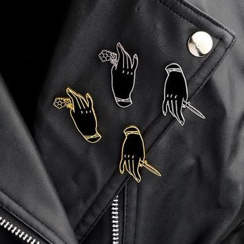 Trendy Hfarich Personality Black Witch Hand Brooch Handle Rose Hand Knife Dagger Gothic Punk Enamel Pin Denim Jacket Badge Friends Jewe AT_94_13