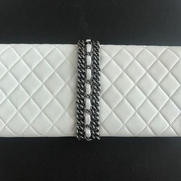 LMFGQ6 White Chanel Evening Clutch Bag With Chain