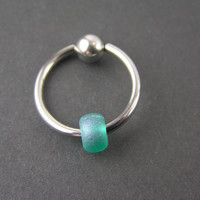 Frosted Green Czech Glass CBR Cartilage Hoop Captive Bead Ring 14G Conch Helix Tragus Earring Nipple Septum Piercing Intimate Hoop Sea Glass