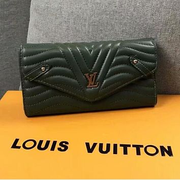 LV Louis Vuitton Fashionable Women Shopping Leather Buckle Purse Wallet Green