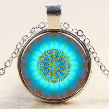 New Fashion Blue Flower Of Life Logo Pendant Chakra Necklace Sacred Geometry Jewelry Art Glass Cabochon Necklace Silver Plated