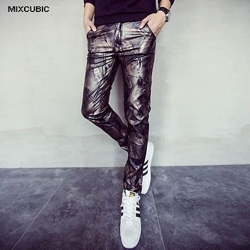MIXCUBIC new fashion skinny gold feather printed leather pants men casual slim fit washing leather pants men feet pants,28-34