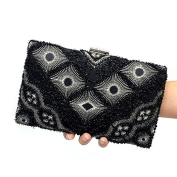 Vintage Women Bag Fashion Flower Embroidery Women Evening Bags with Chain Black Color Beaded Banquet Party Clutch Shoulder Bag