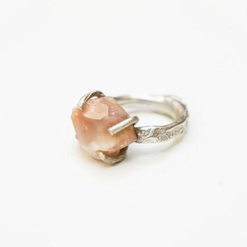 UNCUT ROSE MOONSTONE IMPRINTED RING {silver}