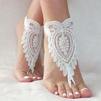 ivory lace barefoot sandals, FREE SHIP, beach wedding barefoot sandals, belly dance, lace shoes, bridesmaid gift, beach shoes