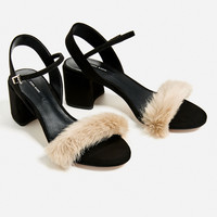 FAUX FUR VAMP SANDALS DETAILS
