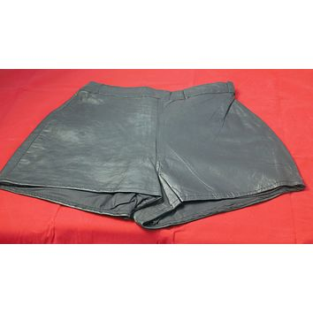 genuine leather shorts snap button and zipper size xsmall